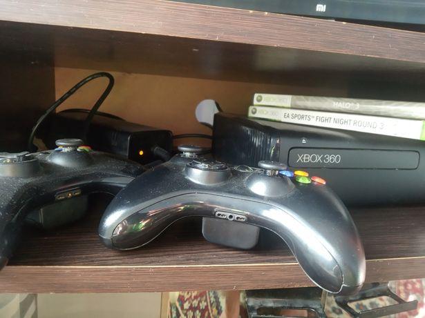 Xbox 360s (не прошитая)