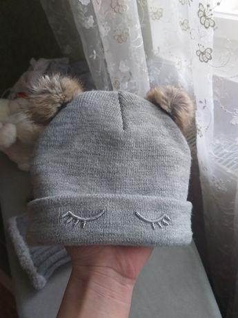 Демісезонна шапка від  H&M