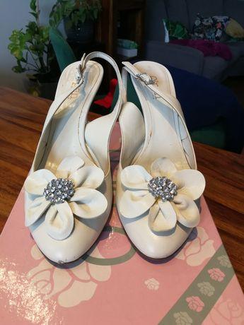 Buty ślubne firmy o'pen
