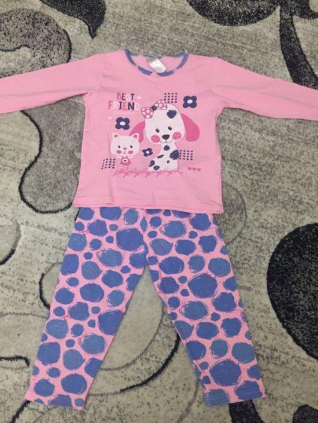 Детская пижама на девочку 4-5 лет.
