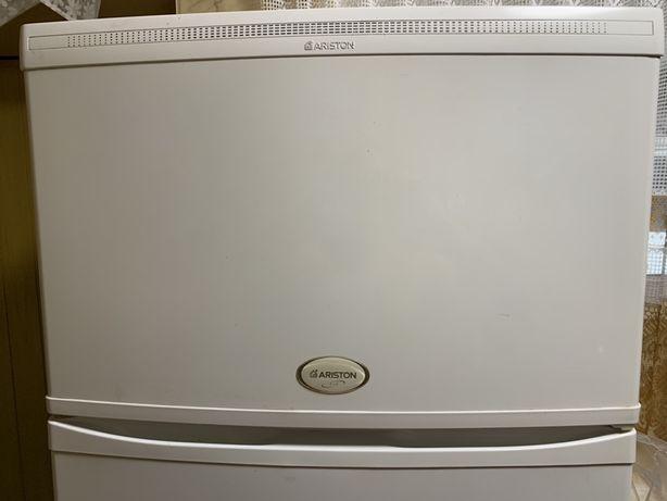 Продам холодильник Ariston Air