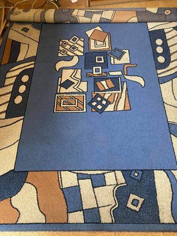 Sprzedam duży dywan w kolorowe wzory