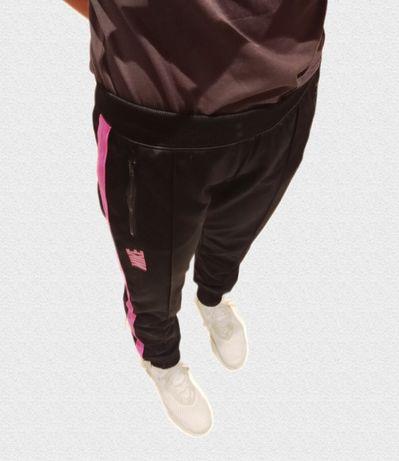 Spodnie dresowe Nike S