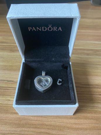 Medalion Serce Pandora