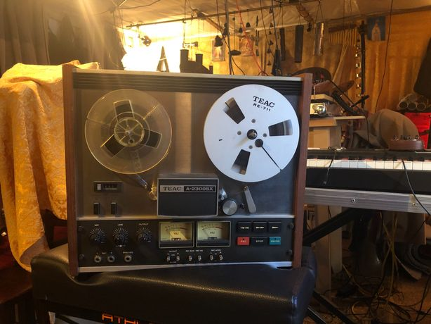 Kultowy magnetofon szpulowy TEAC