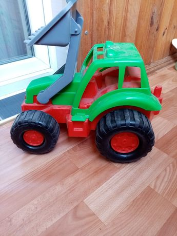 Трактор - ковш