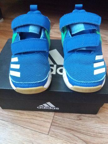Продам детские фирменные кроссовки