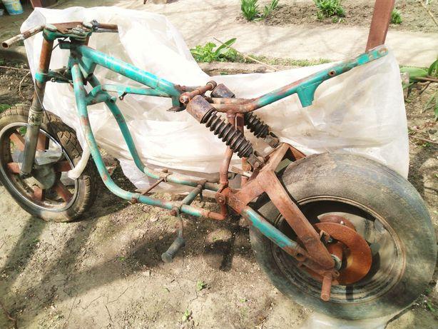 Мотоцикл урал 650см³