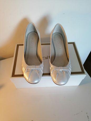 Sapatos brancos Haity