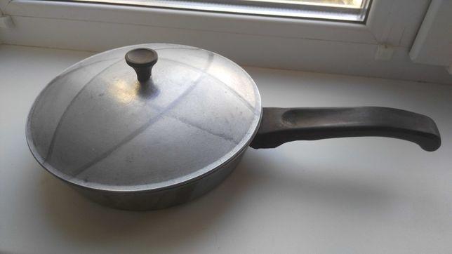Сковорода с крышкой 20 см