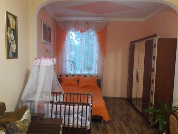 Продається 1-но кімнатна квартира біля базару