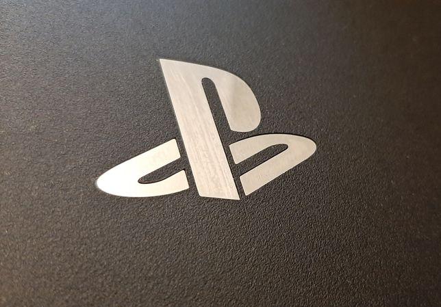 PlayStation 4 PRO  1 TB idealny +1 kontroler
