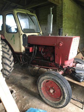Ciągnik rolniczy sprawny