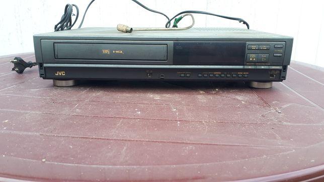 Magnetowid na kasety JVC VHS HQ