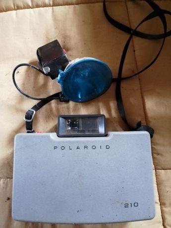 Polaroid 210