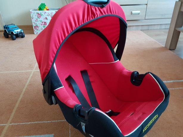 Fotelik dzieciecy samochodowy Nosidelko Ferrari