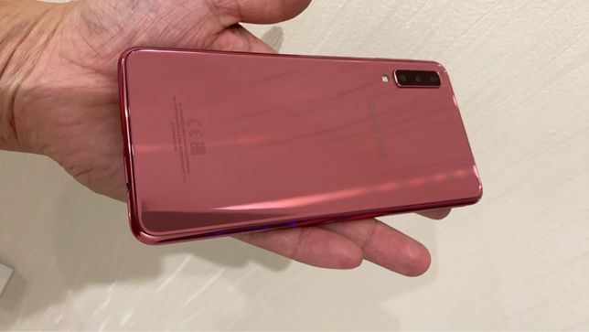 Продам Samsung Galaxy A7 2018 4/64 gb Rose Duos