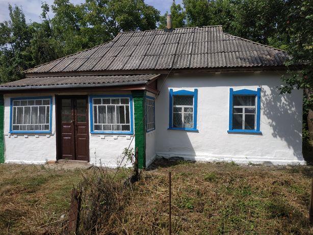 Продається будинок с. Погреби Драбівський р-н.