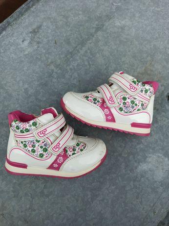Детские ботинки, ботиночки, кроссовки