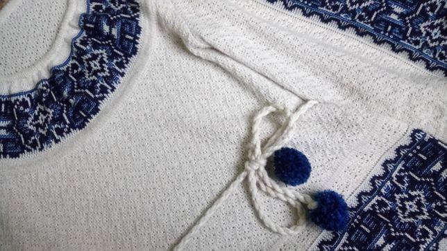 Кофта-вышиванка из льна