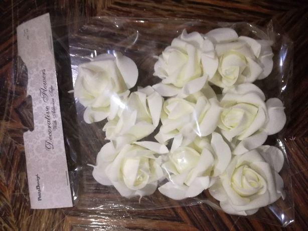 Róże w kolorze Ecru na samochód