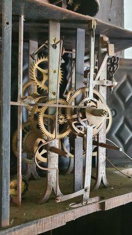 Relógio de pé antigo