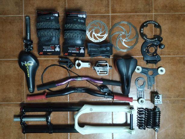 Lote de componentes BTT:Marzocchi Shimano E13 Formula WTB