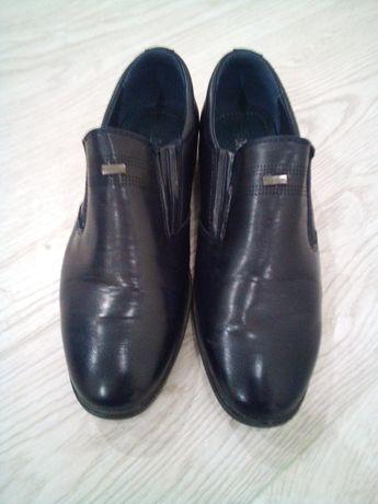 Туфли на мальчика 37р.