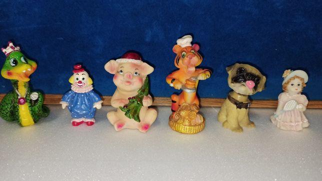 Фигурки статуэтки клоун свинка тигр змея мопс девочка