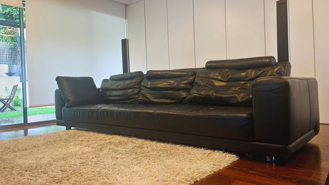 Sofá com chaise longue amovível em pele (couro)