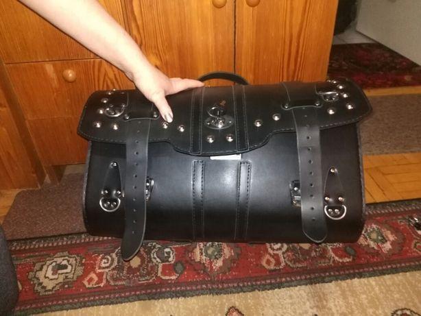 Kufer na motocykl z zamkiem