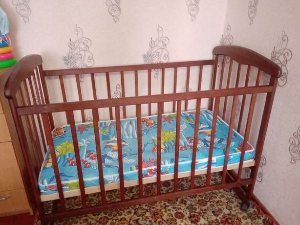 Продам кроватку детскую б/у