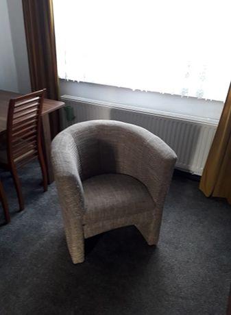 fotel klubowy tapicerowany