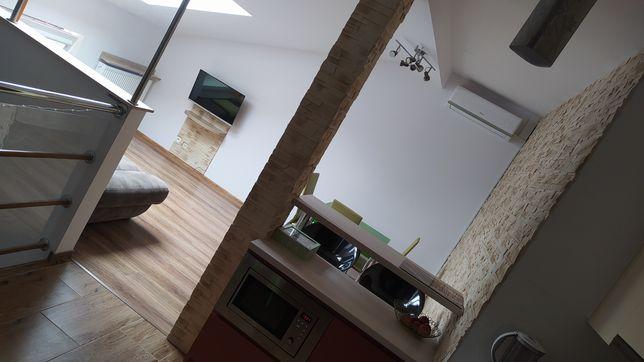 Mieszkanie dwupoziomowe 58 m plus 7 m umeblowane z klimatyzacją