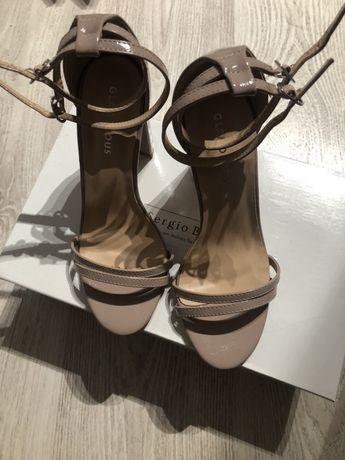Nowe sandały na słupku 37 Glamours