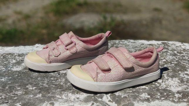Дитячі кросівки, черевички Clarks