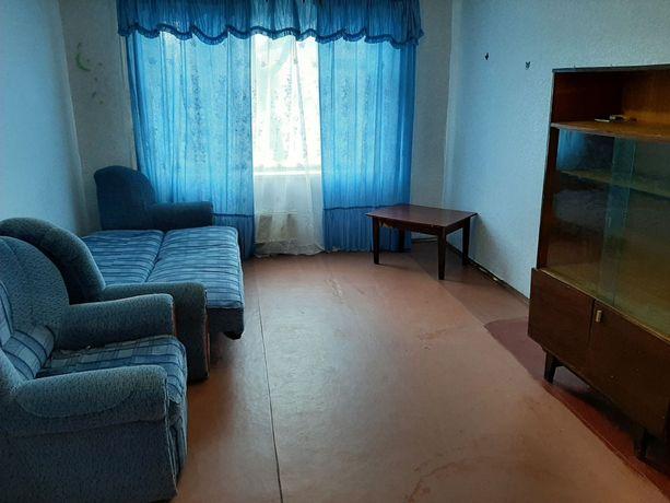 Сдам комнату в 4-х комнатной квартире по М. Лушпы частично меблированн