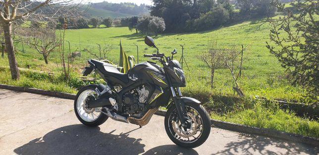 Vendo ou Troco Honda CB650F com 8000km