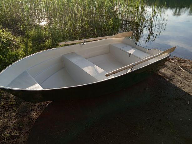 Łódka wędkarska 3m/135cm.