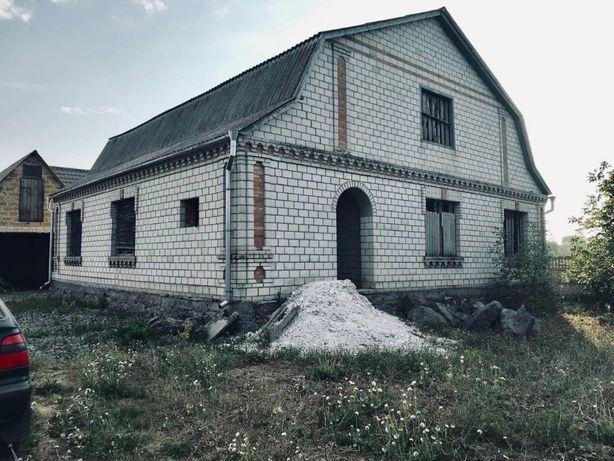 Новый будынок з хоз постройками