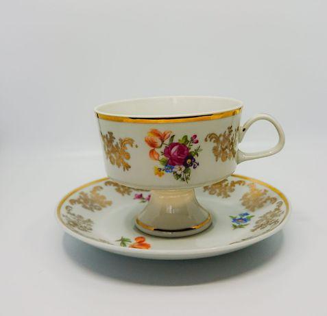 Porcelanowa filiżanka Lichte