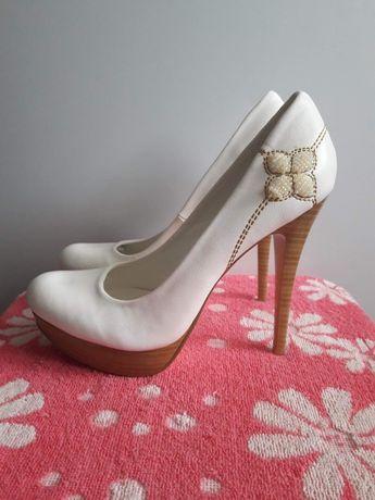 Туфлі новенькі . Торг