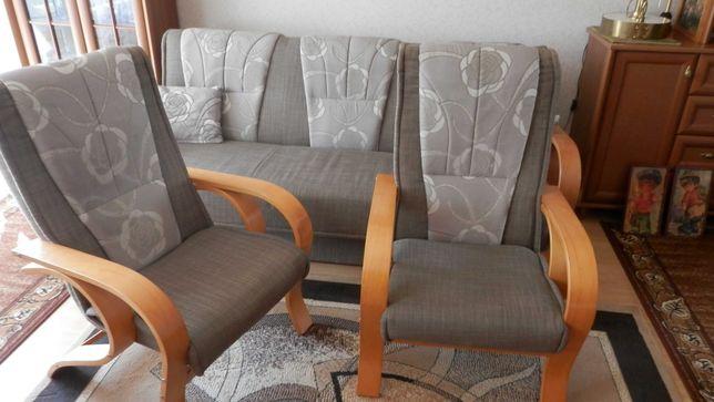 Fotele w bardzo dobrym stanie.