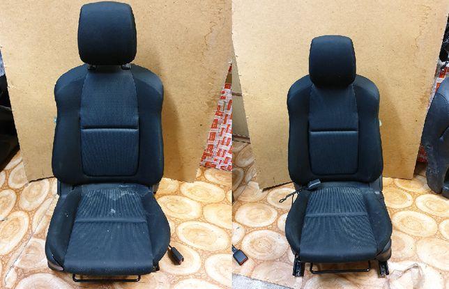 MAZDA CX5 Komplet foteli razem z boczkami