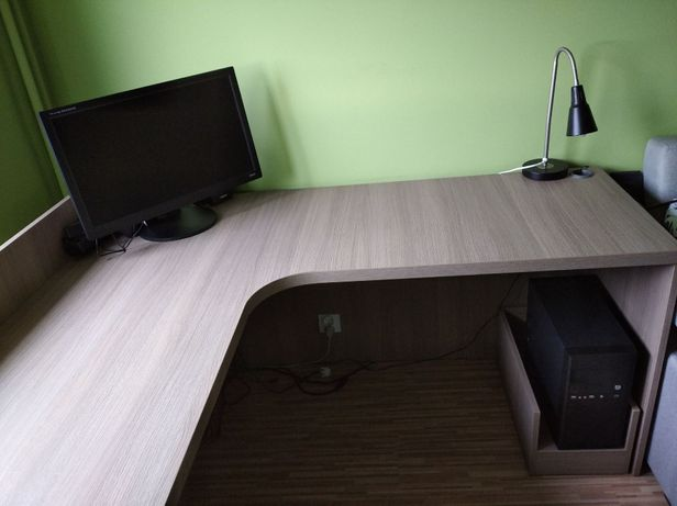 Duże rogowe biurko