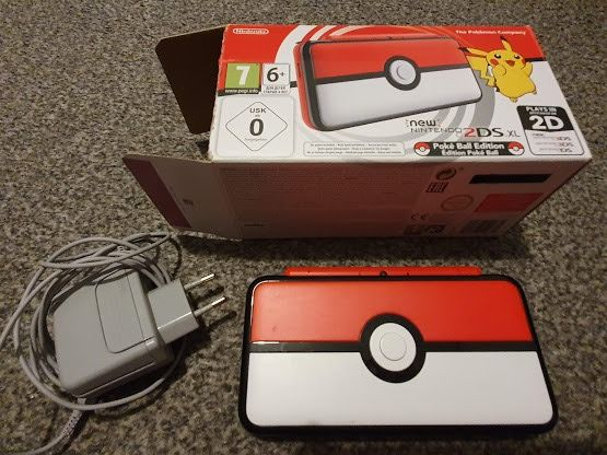 2DS XL Pokeball Edition + Pokemony 2 gry