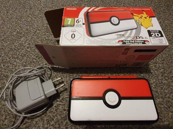 2DS XL Pokeball Edition + Pokemon Crystal