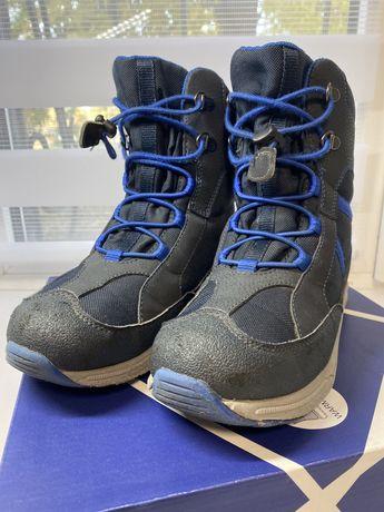 Зимние ботинки Geox.