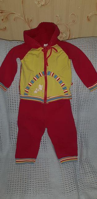 Продаю турецкий спортивный костюмчик на 9-12месяцев