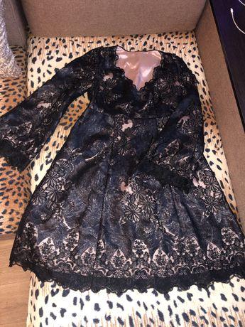 Женкое платье ажурное с пайетками